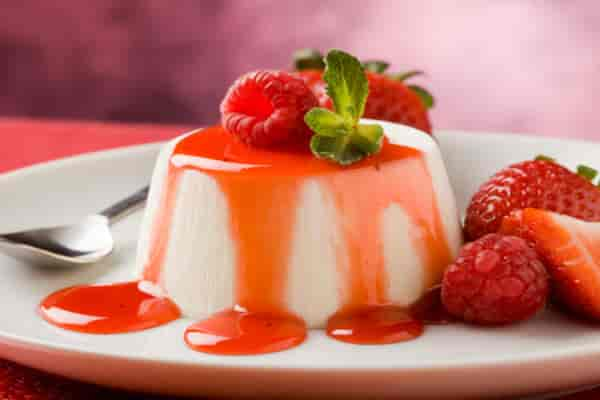 Fresh Strawberry Honey Pudding